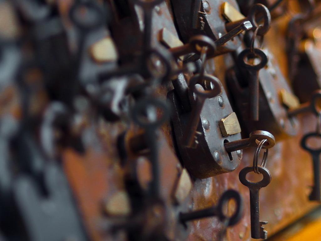lock-key_1024x768_sc